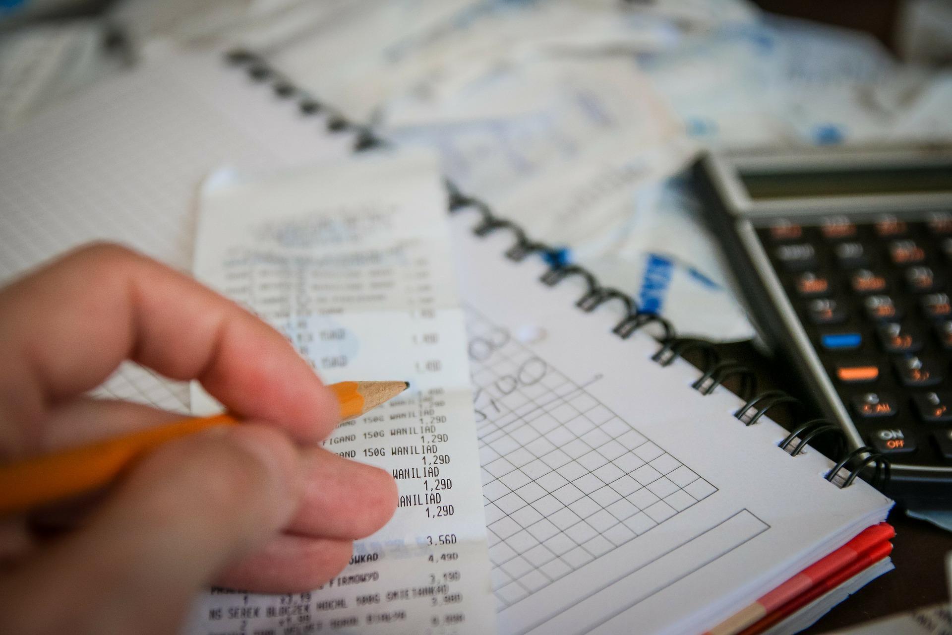 毎月の給料は夜職よりも大幅に下がる可能性を頭に入れておく